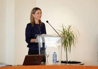 Maria Jose Hidalgo impartiendo conferencia en la Universidad